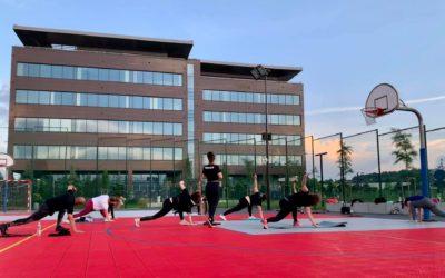Manufaktura Zdrowia zaprasza natreningi outdoor wStrefie Rekreacji.