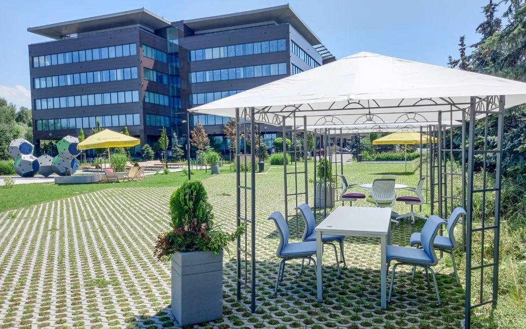outdoor office w Eximius Park
